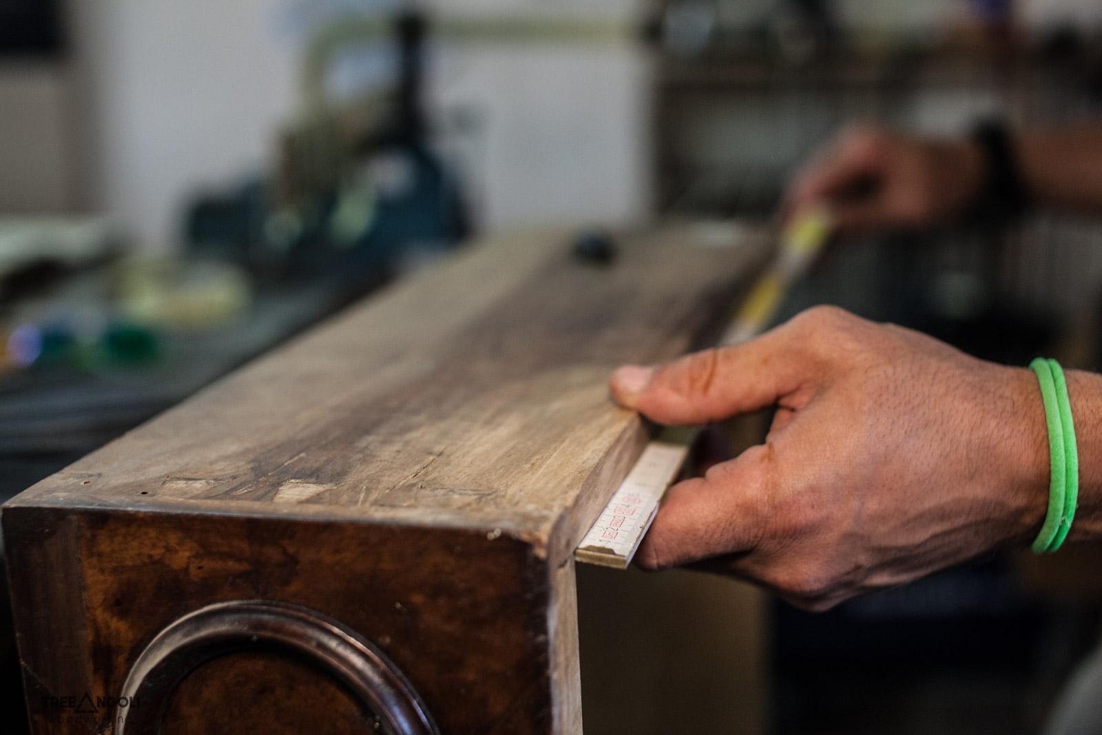 Un'altro attrezzo fondamentale... il metro di legno!