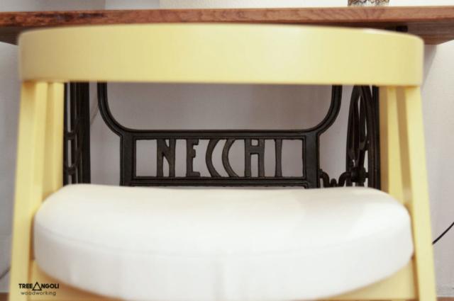 Tavolino ricavato da macchina da cucine modello Necchi